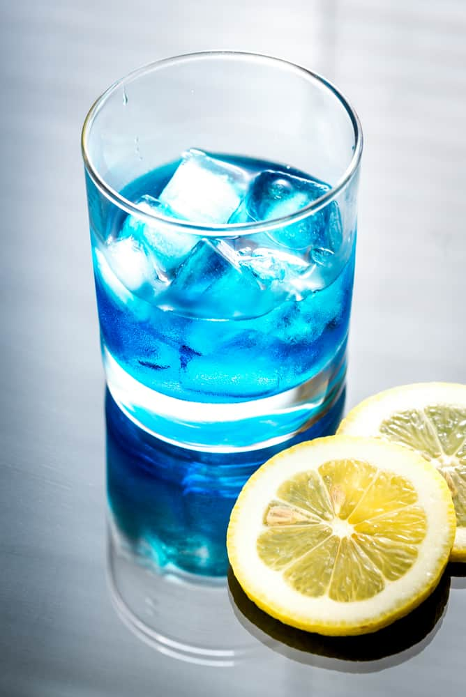 drinks-with-blue-curacao-homemade