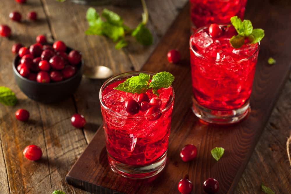 cranberry-and-vodka-drinks